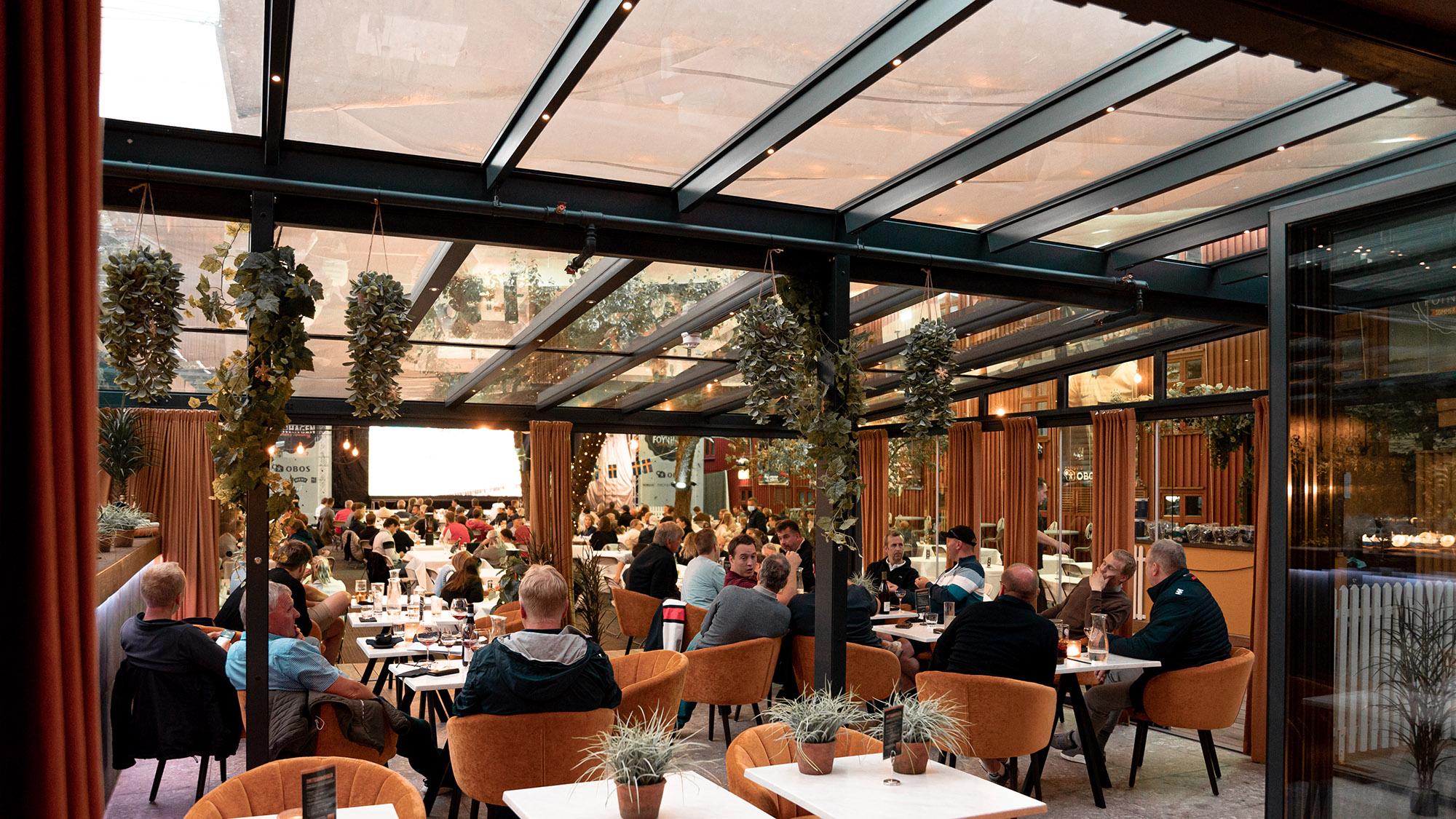 Foyn bar & restaurant stor uteservering fra uteDESIGN